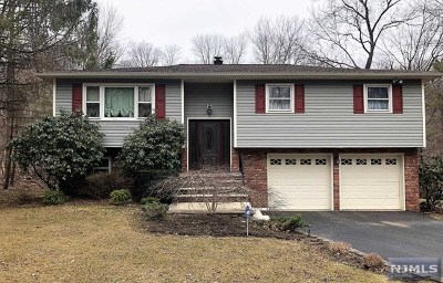 West Milford Single Family Home Under Contract: 185 Wooley Road