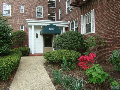 Hudson County Condo/Townhouse Under Contract: 8700 Boulevard East #1g