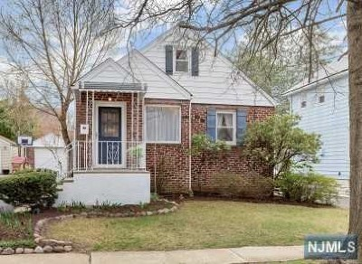 Bogota Single Family Home Under Contract: 130 Cane Street