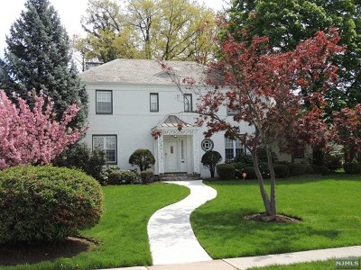 Hackensack Single Family Home Under Contract: 366 Maple Hill Drive