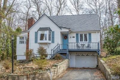 Passaic County Single Family Home Under Contract: 97 Cupsaw Avenue