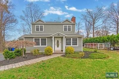 Wyckoff Single Family Home Under Contract: 658 Quackenbush Avenue