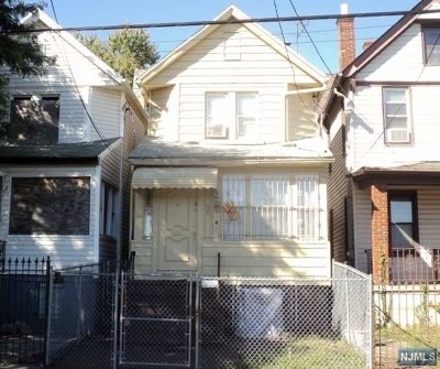 Essex County Single Family Home Under Contract: 245 South 18th Street