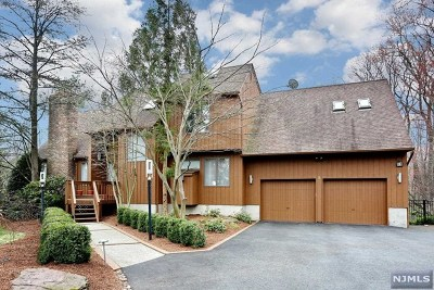 Montvale Single Family Home Under Contract: 8 Morgan Court