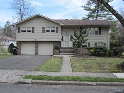 Bergen County Single Family Home Under Contract: 552 Hobart Road