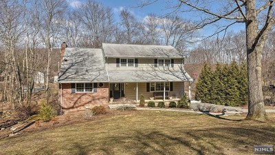 West Milford Single Family Home Under Contract: 10 Clover Road