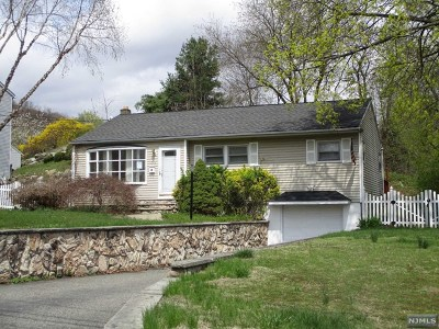 Morris County Single Family Home Under Contract: 30 Windbeam Road