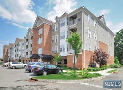 Elmwood Park Condo/Townhouse Under Contract: 128 Cory Lane