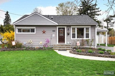 Pompton Lakes Single Family Home Under Contract: 1412 Madison Place