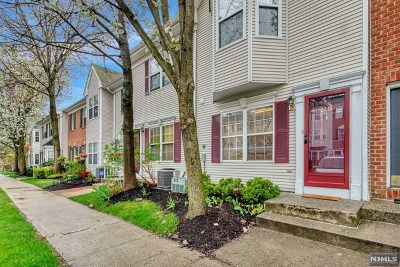 Bergen County Condo/Townhouse Under Contract: 2218 Lancaster Court