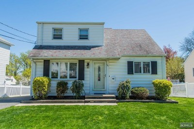 Clifton NJ Single Family Home Under Contract: $319,000