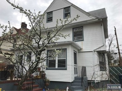 Hackensack Single Family Home Under Contract: 40 Vanderbeck Place