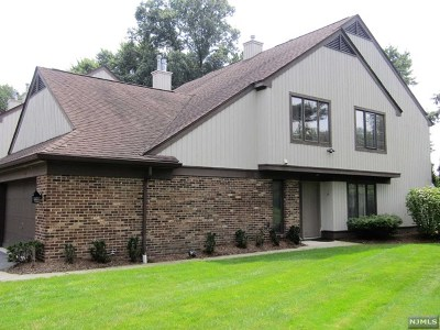Leonia Condo/Townhouse Under Contract: 50 Meadowview Court
