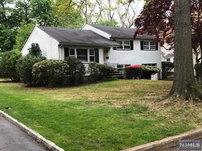 Paramus Single Family Home Under Contract: 194 Morningside Road