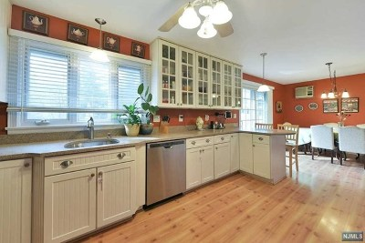 Hillsdale Single Family Home Under Contract: 401 Kinderkamack Road