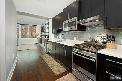 Hudson County Condo/Townhouse Under Contract: 1100 Maxwell Lane #425