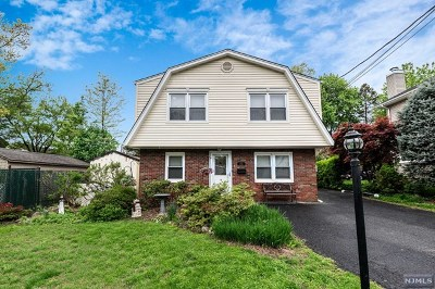 New Milford Single Family Home Under Contract: 692 Asbury Street