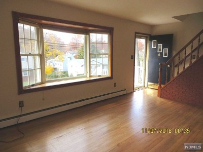 Wayne Single Family Home Under Contract: 122 Woodhaven Drive