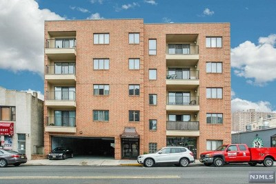 Cliffside Park Condo/Townhouse Under Contract: 610 Anderson Avenue #4e