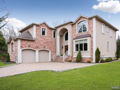 Woodcliff Lake Single Family Home Under Contract: 20 Bearbrook Drive