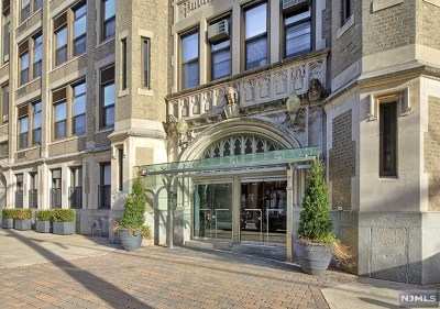 Hudson County Condo/Townhouse Under Contract: 501 Adams Street #5d