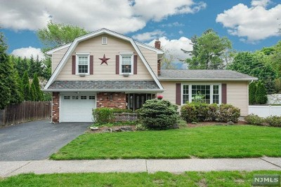Passaic County Single Family Home Under Contract: 8 Thomas Terrace