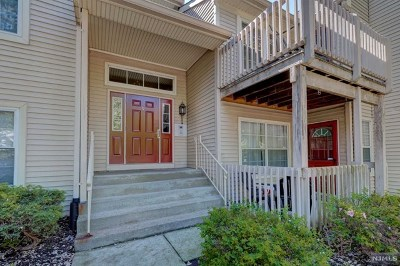 Clifton Condo/Townhouse Under Contract: 9 Balsam Court