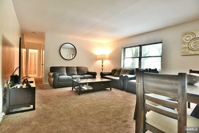 Fort Lee NJ Condo/Townhouse Under Contract: $139,900