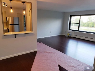 Fort Lee Condo/Townhouse Under Contract: 2365 Hudson Terrace #3b