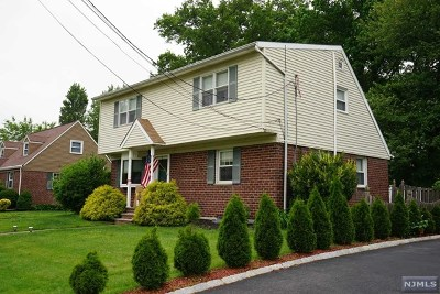 New Milford Single Family Home Under Contract: 520 Windsor Road