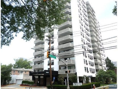 Fort Lee Condo/Townhouse Under Contract: 1600 Center Avenue #5e