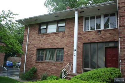 Teaneck Condo/Townhouse Under Contract: 911-921 Teaneck Road #E 2