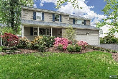 Paramus NJ Single Family Home Under Contract: $590,000