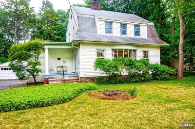 Englewood Single Family Home Under Contract: 39 West Ivy Lane