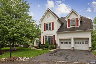 Bergen County Single Family Home Under Contract: 12 Fieldstone Court