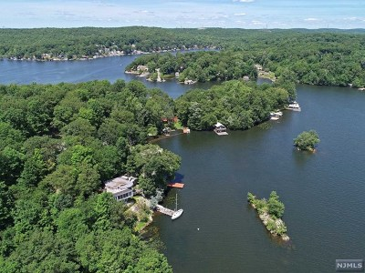 Morris County Single Family Home Under Contract: 25 Raccoon Island Road