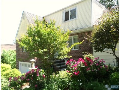 Ridgefield Multi Family 2-4 Under Contract: 800 Delalla Terrace