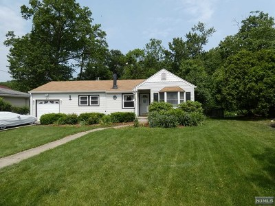 Passaic County Single Family Home Under Contract: 58 Skyline Lake Drive