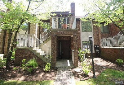 Clifton Condo/Townhouse Under Contract: 900 Valley Road #A3