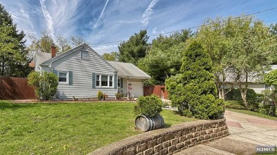 Fair Lawn Single Family Home Under Contract: 4 Edison Court