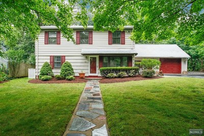Paramus Single Family Home Under Contract: 142 Brookfield Avenue