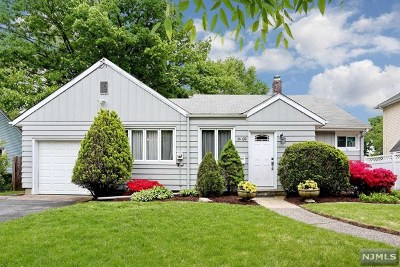 Fair Lawn Single Family Home Under Contract: 16-02 Everett Terrace