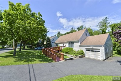 Paramus Single Family Home Under Contract: 247 Wedgewood Drive