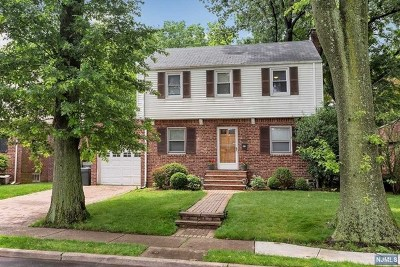 Teaneck Single Family Home Under Contract: 366 Whitelaw Place