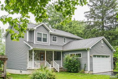 West Milford Single Family Home Under Contract: 59 Belleau Gateway