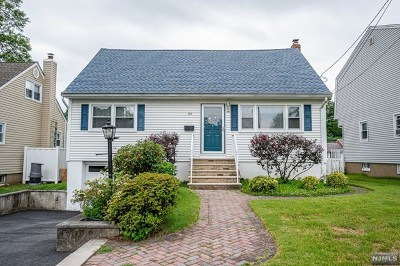 Passaic County Single Family Home Under Contract: 39 Allwood Terrace