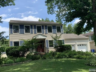 Paramus Single Family Home Under Contract: 60 Heather Lane