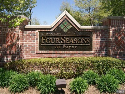 Passaic County Condo/Townhouse Under Contract: 601 Four Seasons Drive #601