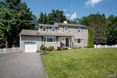Passaic County Single Family Home Under Contract: 16 Post Place