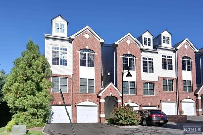 Hawthorne Condo/Townhouse Under Contract: 3 Goffle Brook Court